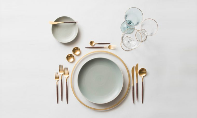 tavola in stile minimal