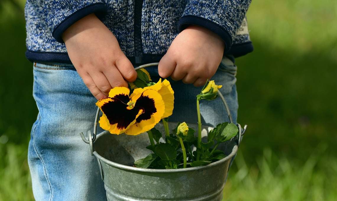 bambini giardinieri