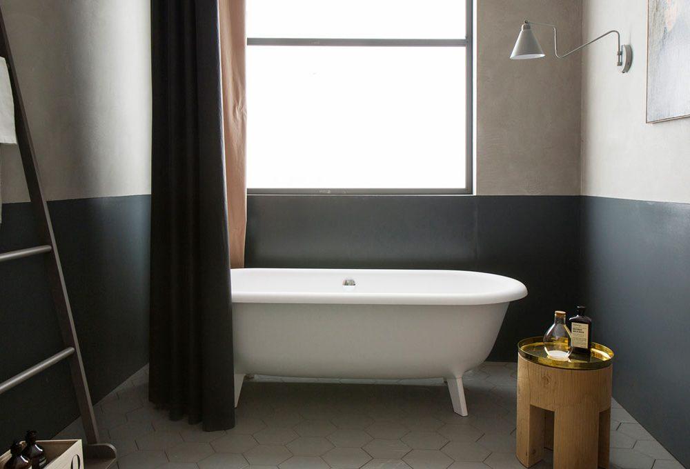 10 cose da eliminare per riordinare il bagno
