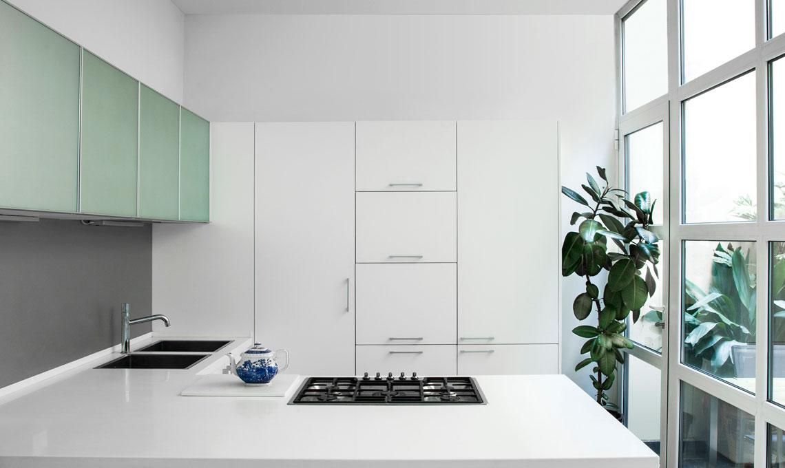10 cose da eliminare per riordinare la cucina casafacile - Piante per la cucina ...