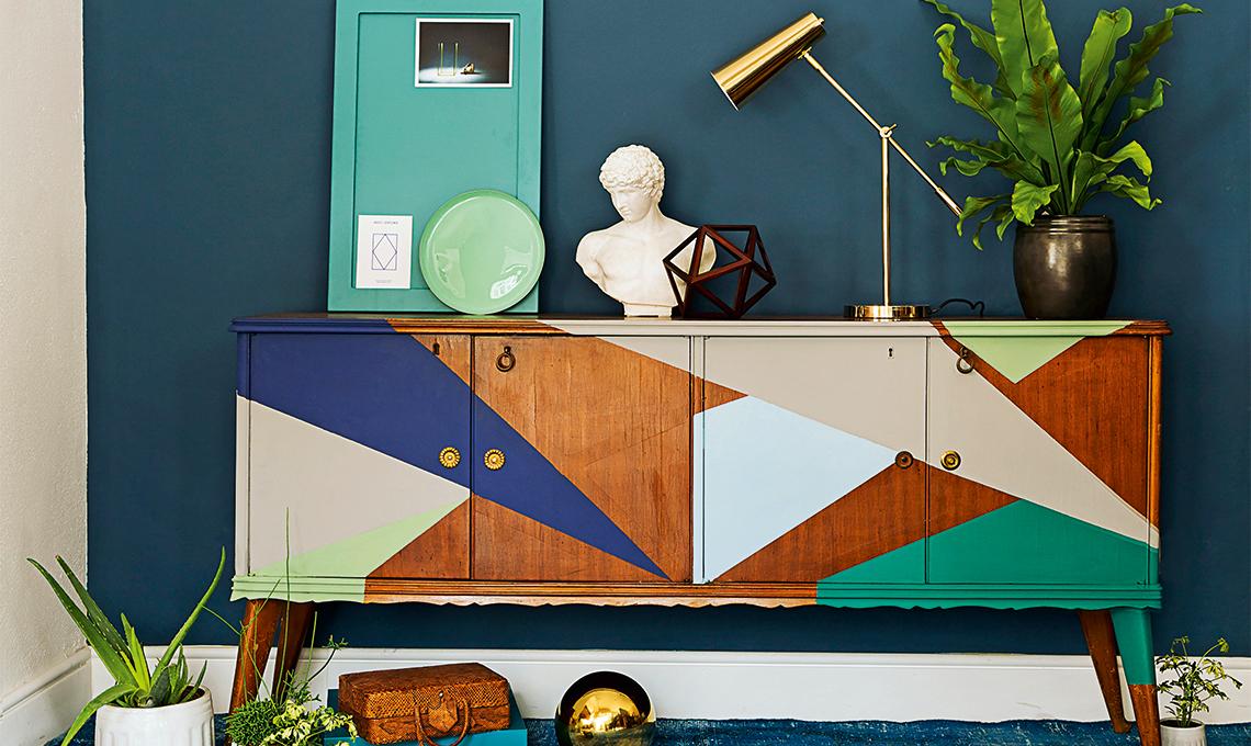 Idee Per Dipingere Un Mobile.Dipingere Una Madia Anni 50 Casafacile