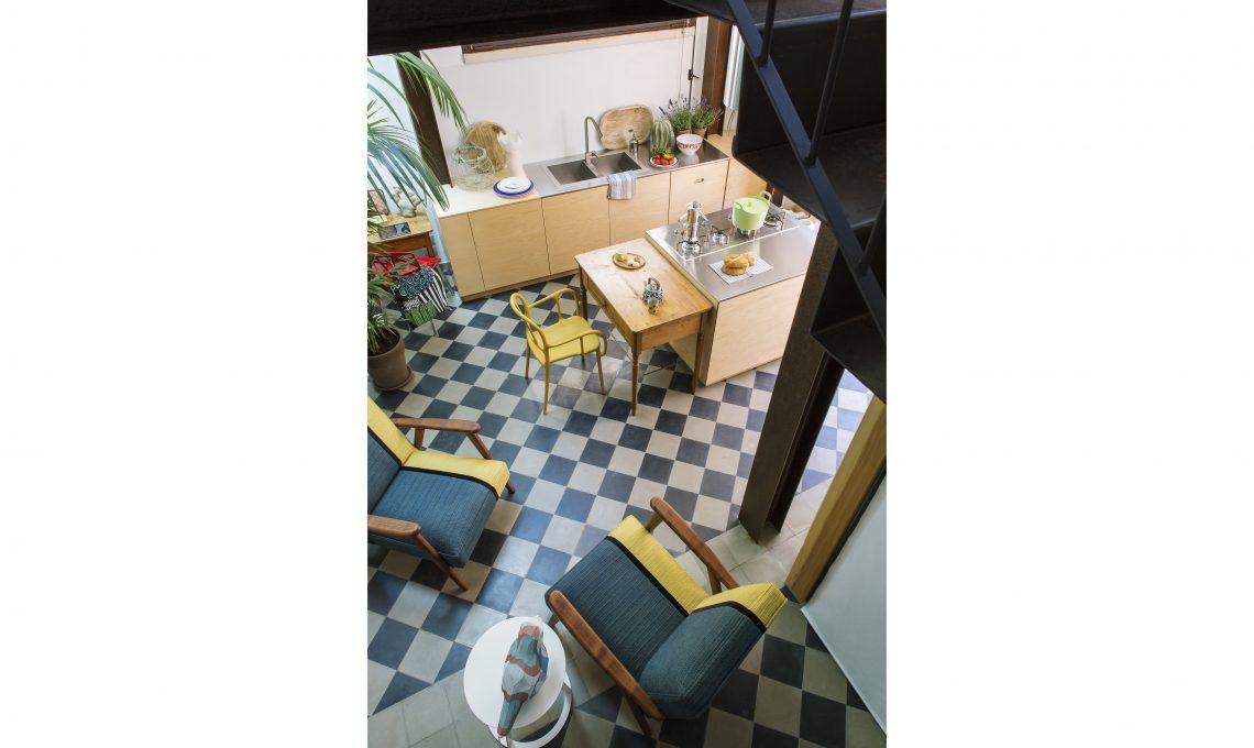 casa piccola su due piani