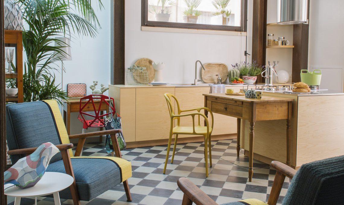 Mobili Per Casa Piccola : Mq su due piani la ristrutturazione di una mini casa casafacile