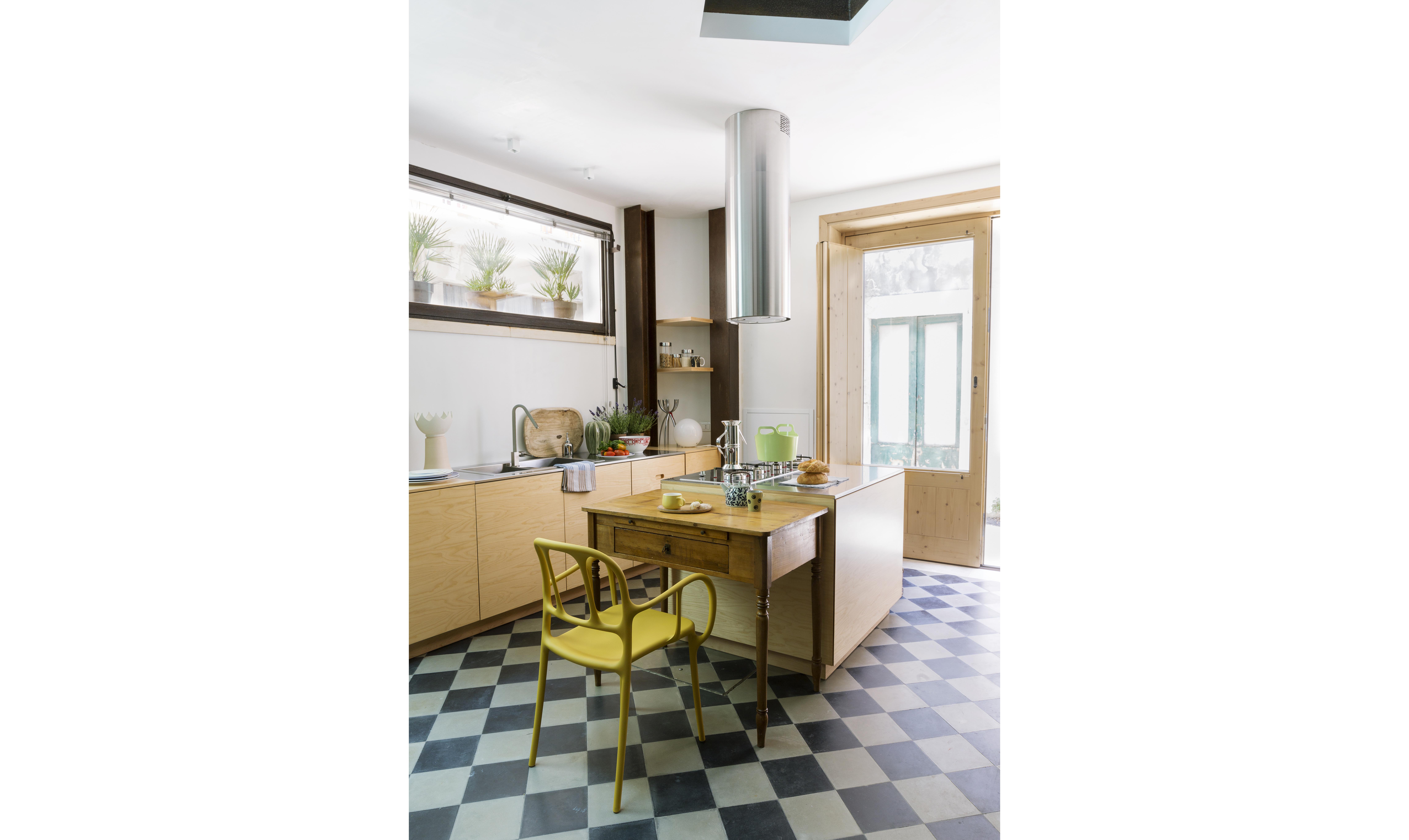 50mq su due piani la ristrutturazione di una mini casa for Piani casa degli ospiti