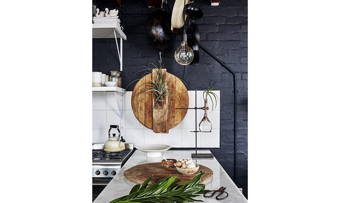 cucina parete nera