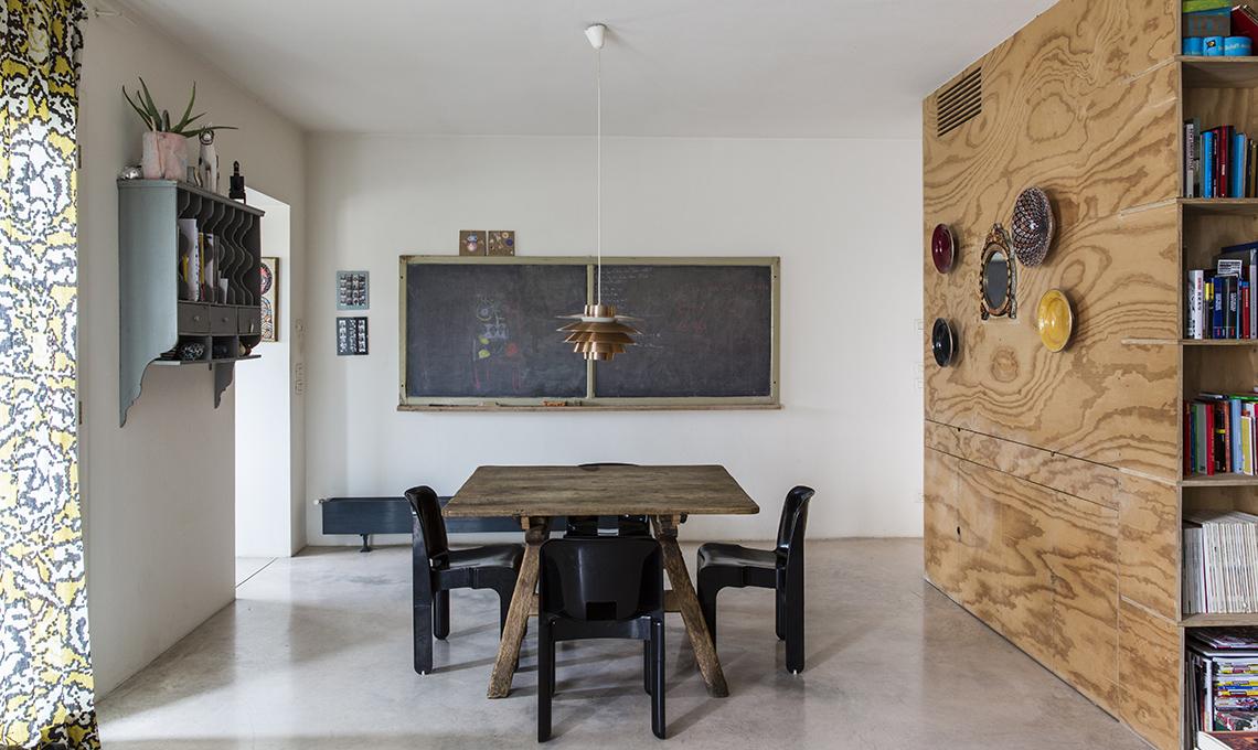 Mobili contenitori e pareti in legno per dividere lo for Idee per dividere casa