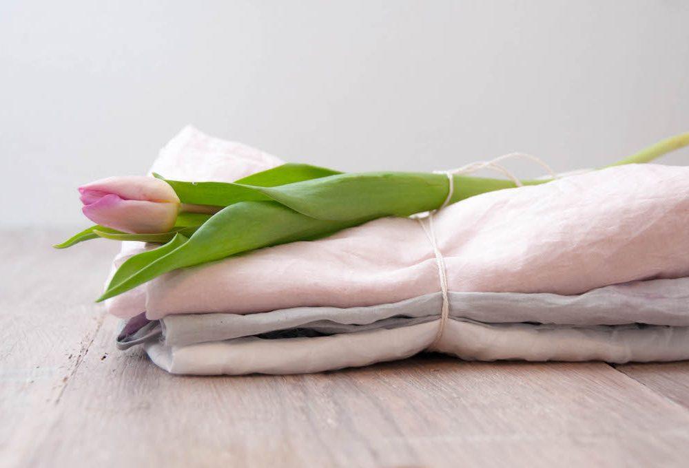 Tessuti al sapore di frutti di bosco con la tintura naturale