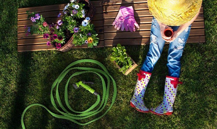 14 attrezzi da giardinaggio super utili