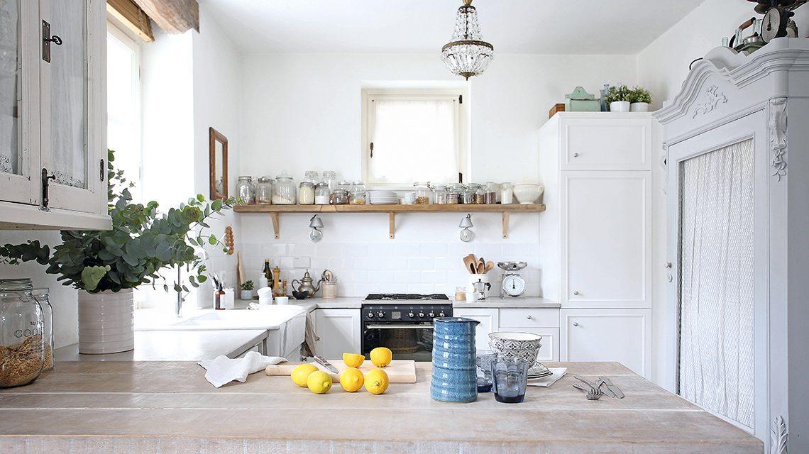 5 cose che non possono mancare in una casa in stile neo - Casa stile shabby chic ...