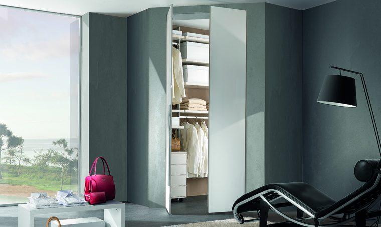 Con la cabina armadio angolare sfrutti al meglio lo spazio in camera