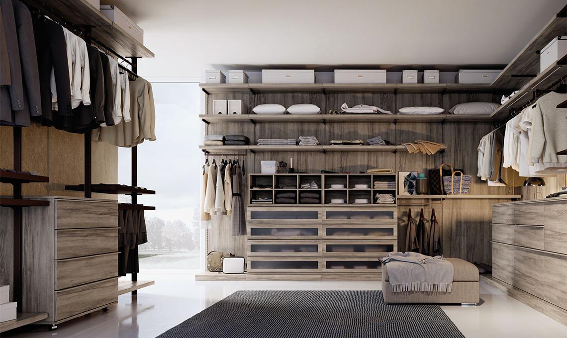 Cabina armadio fronte letto