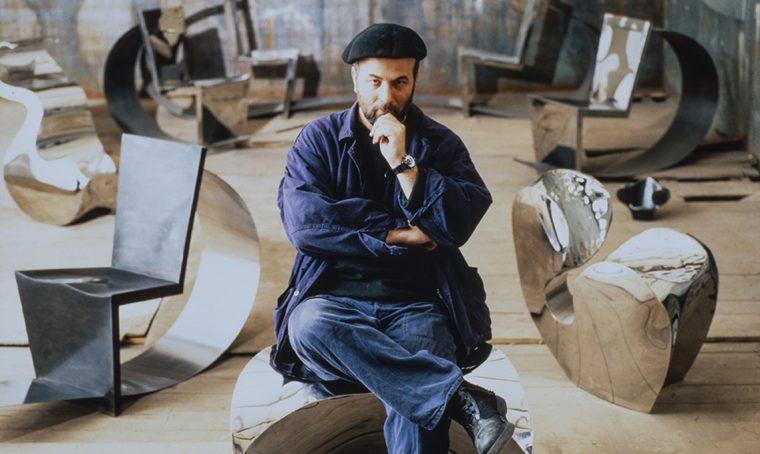 Una mostra dedicata a Ron Arad al Vitra Museum di Basilea