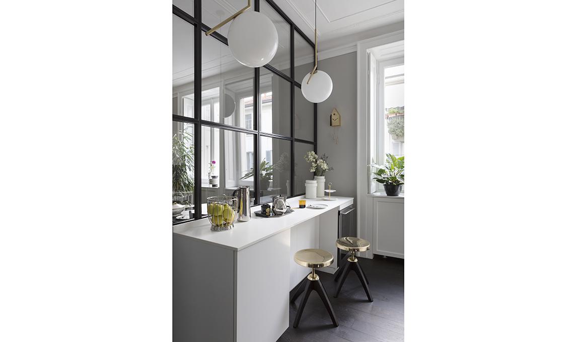 cucina parete vetrata