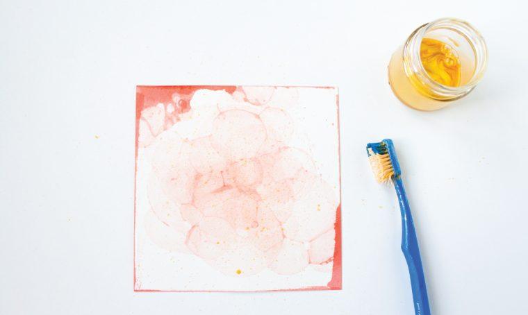 Cartoline colorate con le bolle di sapone