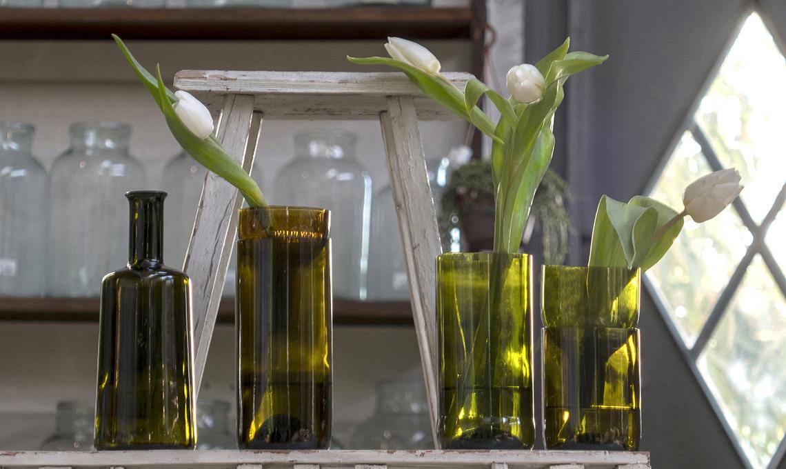 Taglia Bottiglie Di Vetro.Taglia E Trasforma Le Bottiglie Di Vetro In Vasi Per I Fiori