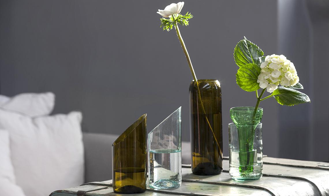 Taglia E Trasforma Le Bottiglie Di Vetro In Vasi Per I Fiori