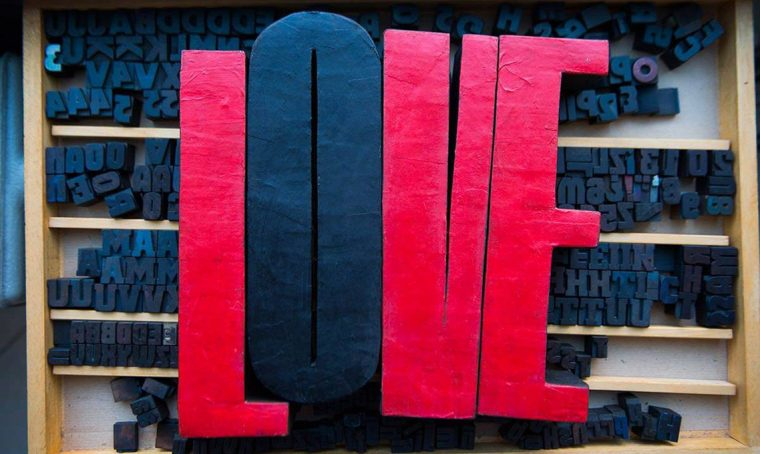 12 scritte 'love' e 'amore' decorative per la casa