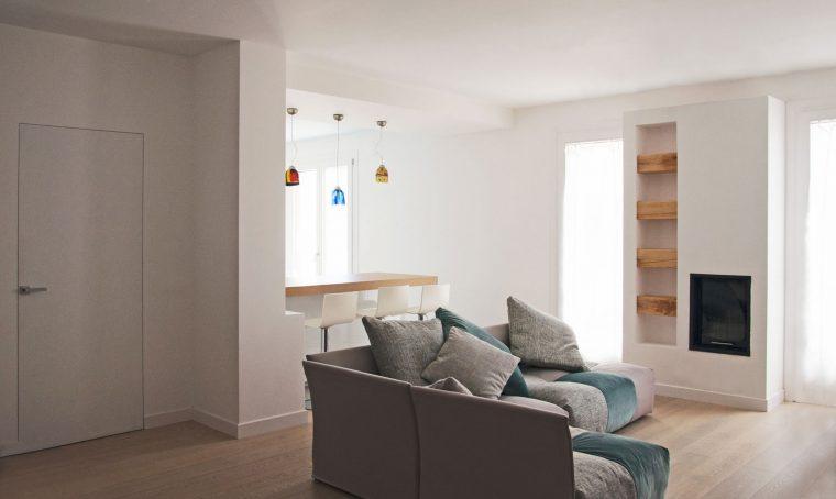 Pavimento in graniglia in una casa moderna casafacile - Stile casa moderna ...