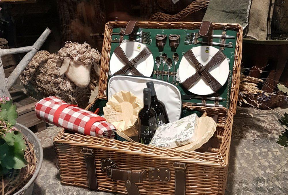 10 idee furbe per organizzare l'occorrente per il picnic