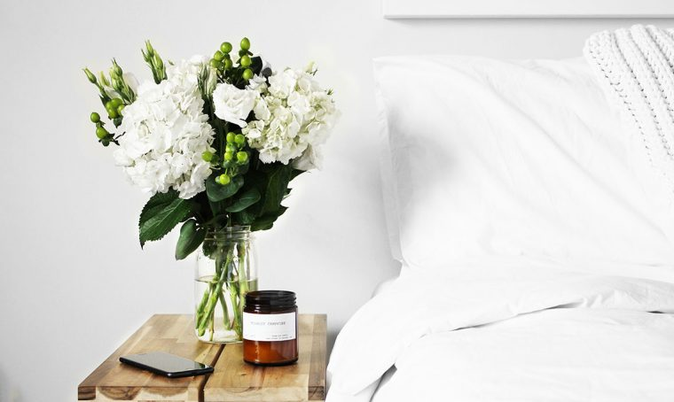 CASAfacile DLibutti pulire camera da letto comodino