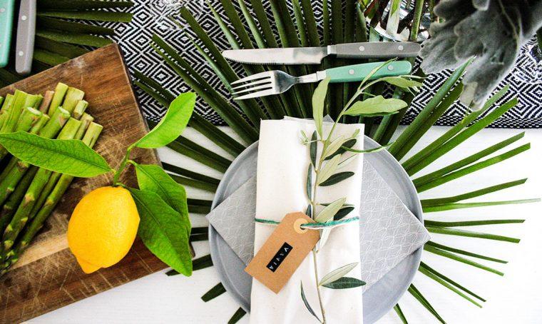 Arredare la tavola in ricordo delle vacanze estive