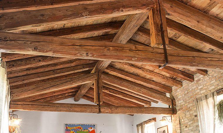 Il restauro conservativo dei tetti in legno