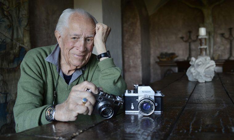 Nikon rende omaggio la fotografo David Douglas Duncan