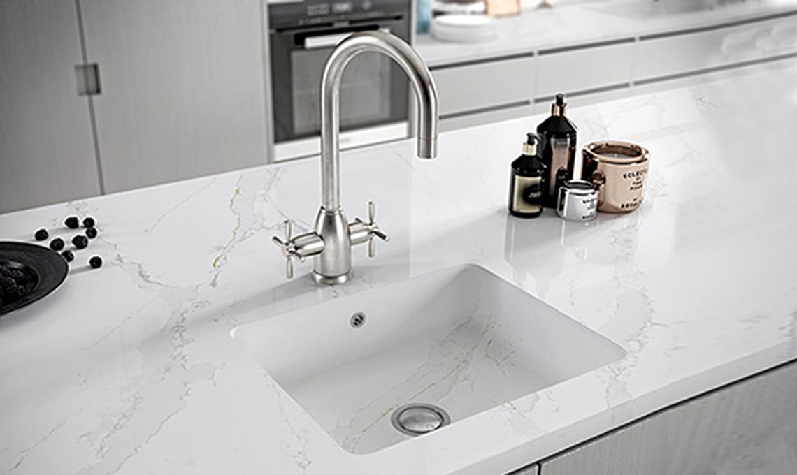 6 materiali per i lavelli della cucina - CasaFacile