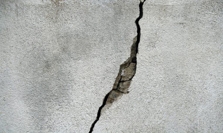 Crepe nei muri: quando preoccuparsi e come eliminarle