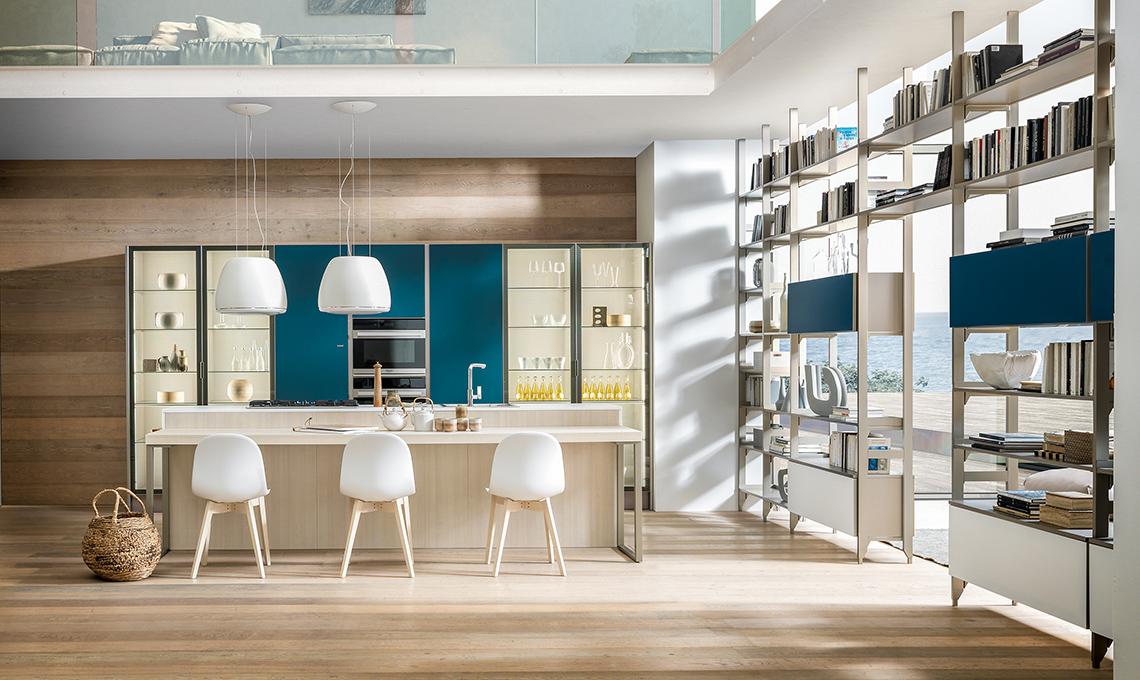 Cucina e living divisi dalla libreria a doppio affaccio - CASAfacile