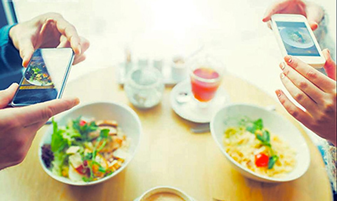 casafacile-dlink-#connettitiresponsabilmente a tavola