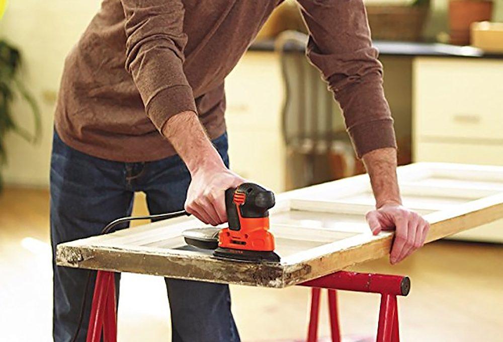 Come restaurare le porte in legno