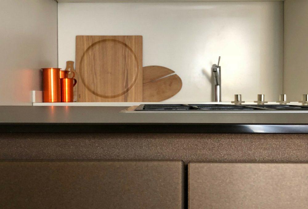 Piano di lavoro in vetro per la cucina, il racconto della blogger