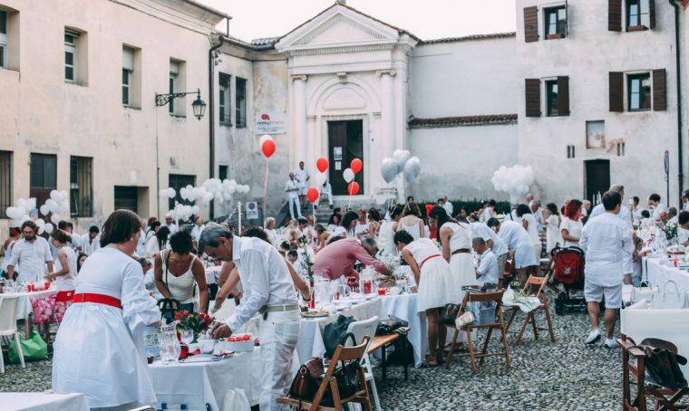 My Secret dinner: il pic-nic segreto bianco e rosso