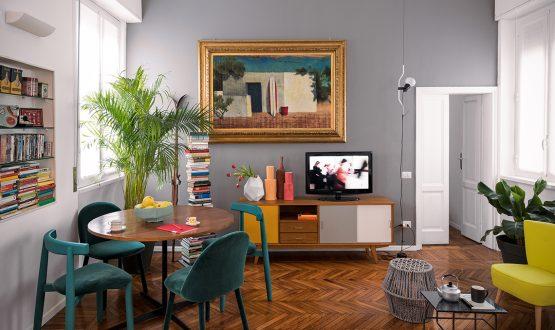 Palette sofisticate e mobili vintage per il bilocale in affitto