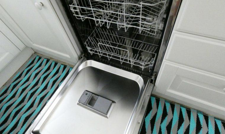 Disinfetta ed elimina i cattivi odori dalla lavastoviglie