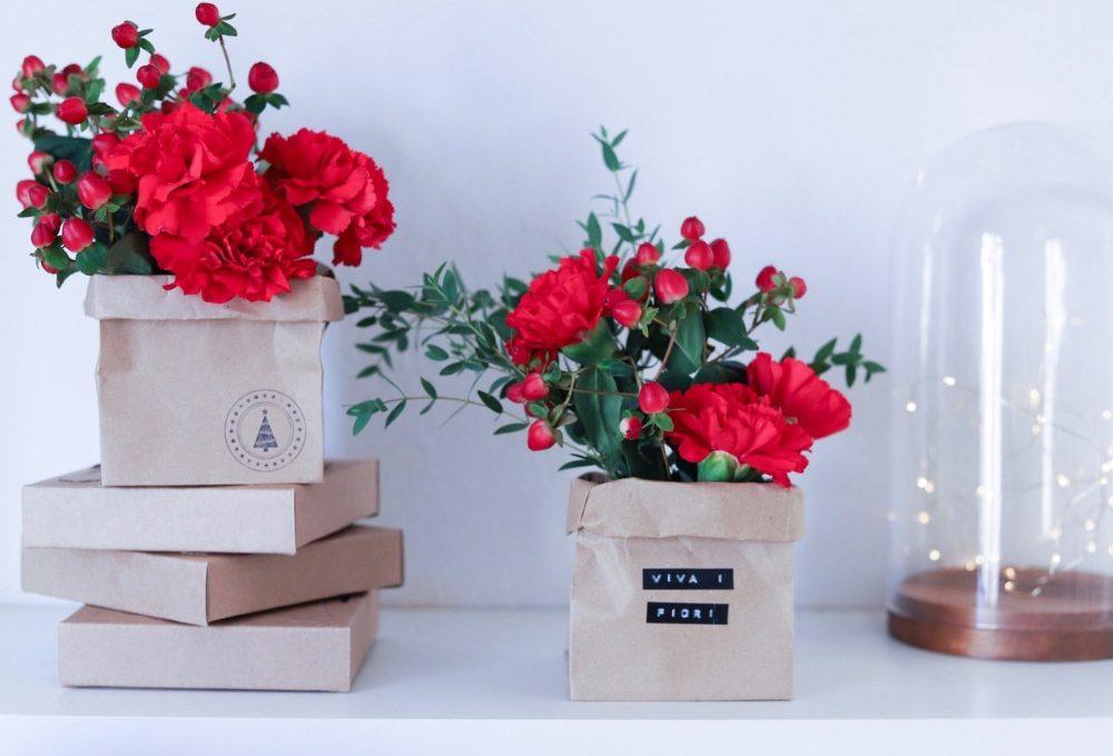 Trasforma sacchetti di carta e barattoli in mini portavasi