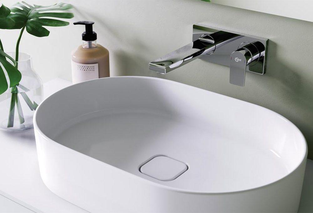 Bagno: rubinetti a parete