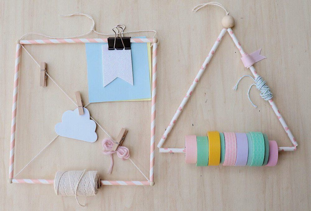 Materiale creativo in ordine con le cannucce di carta