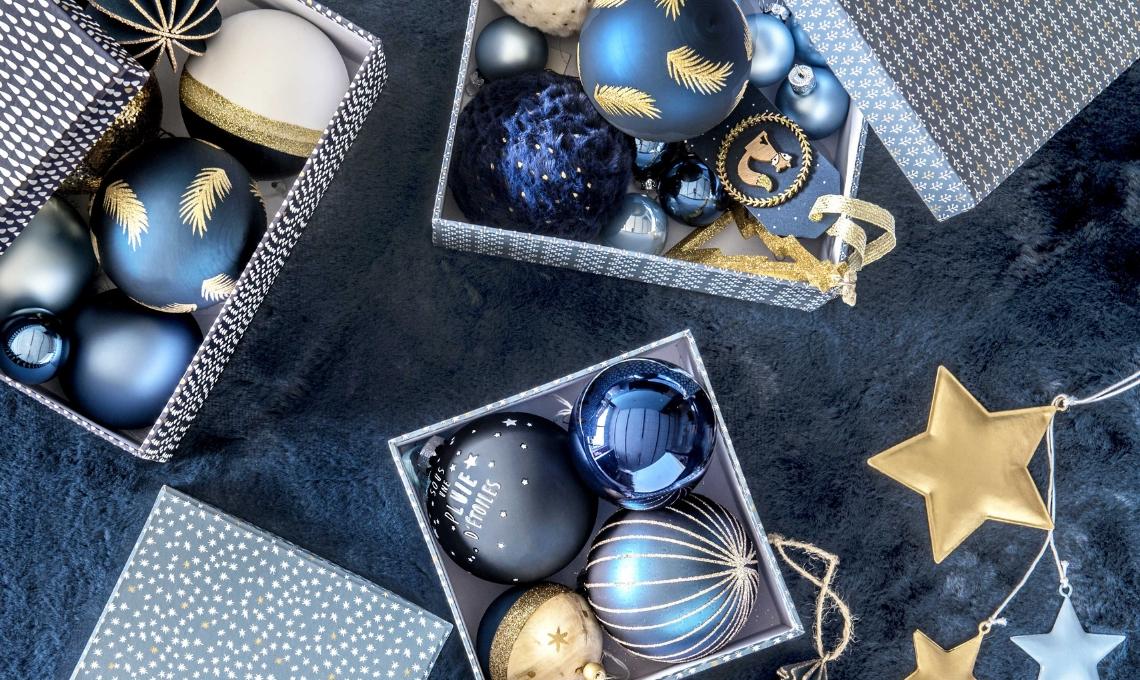 Albero Di Natale Con Decorazioni Blu : 10 trucchi per un albero di natale perfetto casafacile