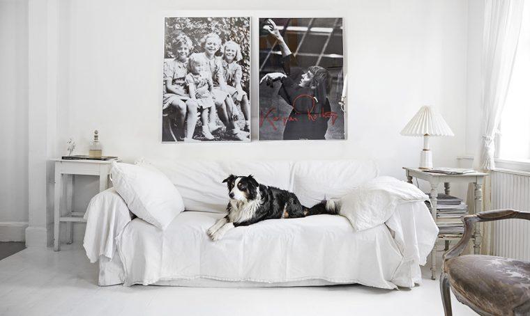 Bianco e grigio per una casa danese dal gusto romantico