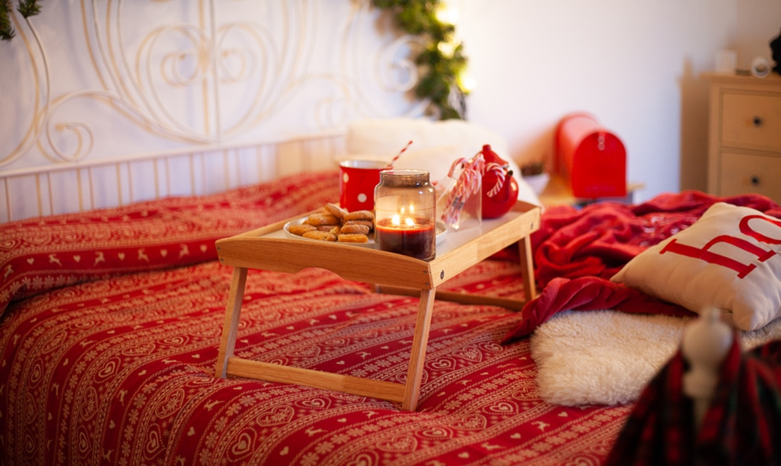 Natale come decorare la camera da letto casafacile - Come decorare camera da letto ...