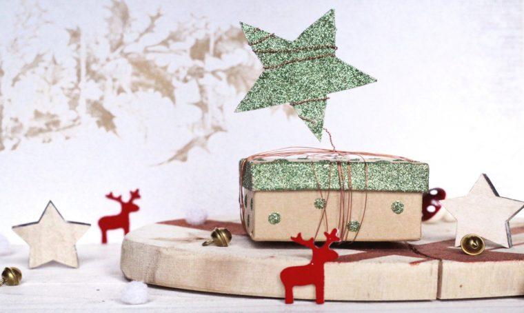 Realizzare un originale pacchetto regalo con filo di rame e glitter