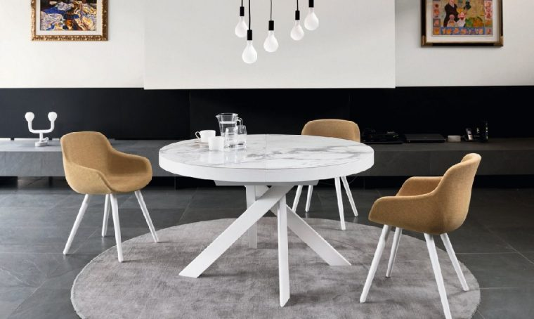 10 tavoli rotondi e ovali per la sala da pranzo