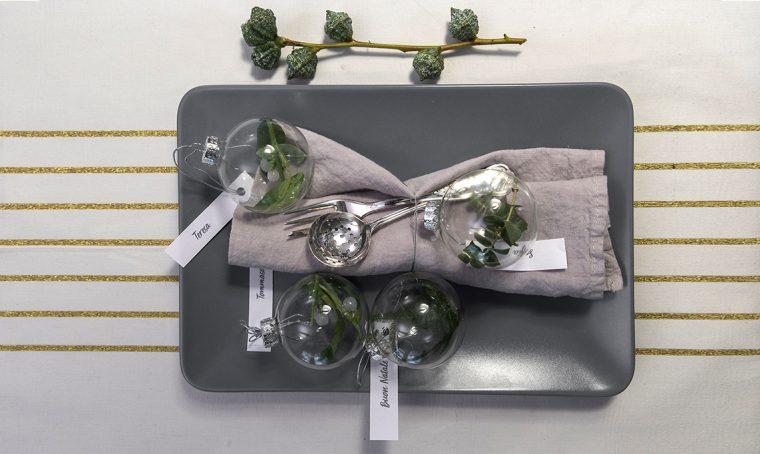 Realizzare palline fai-da-te con vischio e eucalipto