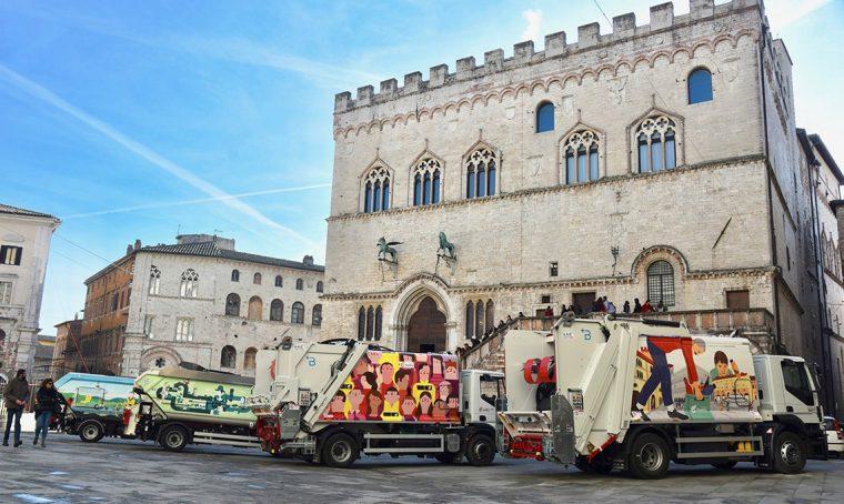 4 illustratori di fama nazionale personalizzano i mezzi per la raccolta differenziata di Perugia