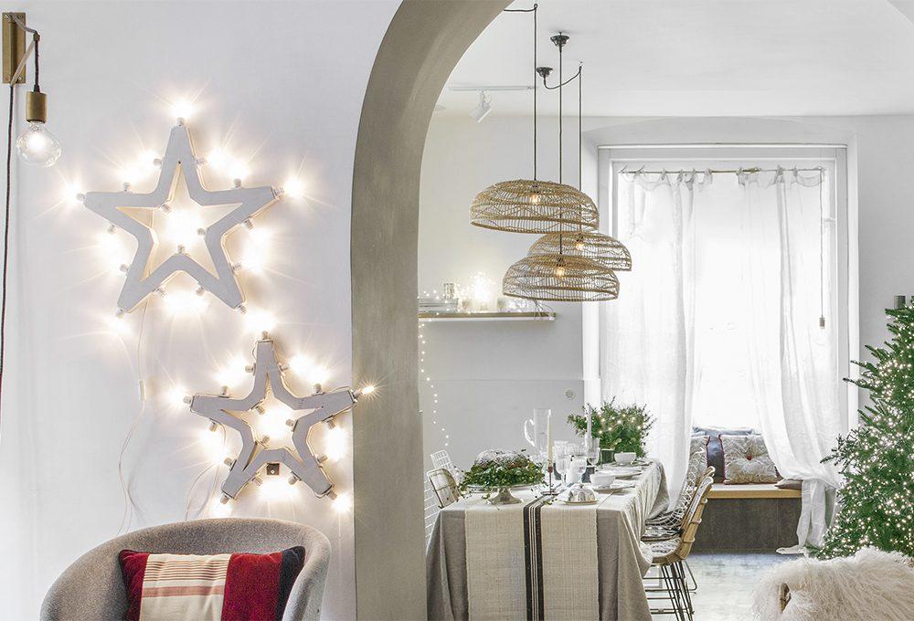 Natale: ghirlande e decorazioni luminose