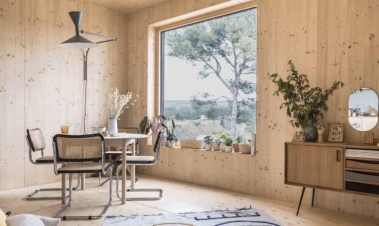 La villetta prefabbricata con rivestimento esterno in doghe di legno