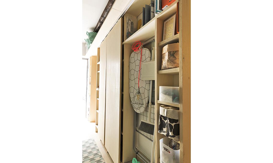 Realizzare un armadio ripostiglio in corridoio casafacile
