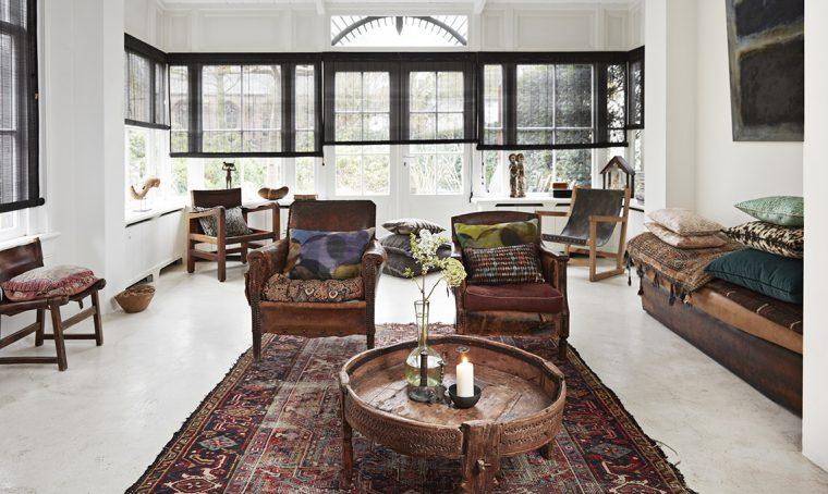 Stile nordico e stile etnico dialogano in questa casa olandese